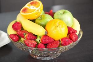 cesta de frutas foto