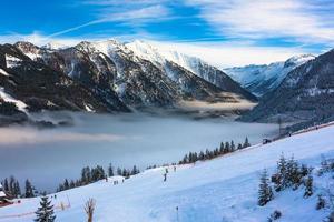 estância de esqui de montanhas na áustria -