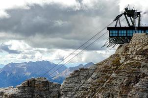 paisagem de montanha do norte italiano - trentino alto adige