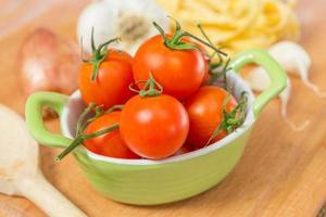 tomates pequenos foto