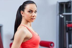 mulher esporte exercitando ginásio, fitness center foto