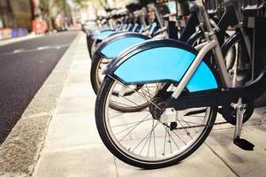 aluguer de bicicletas urbanas foto