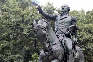 estátua equestre do general george washington
