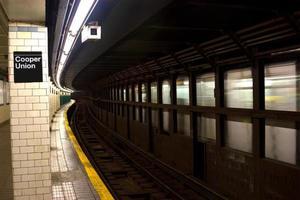 cooper union e astor place estação de metrô, nyc