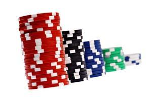 fichas de pôquer coloridas de cassino