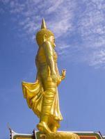 Buda em pé, bangkok, tailândia