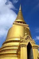 o grande palácio em bangkok foto