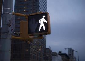 luz da faixa de pedestres de nova york foto