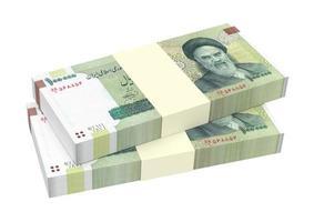 contas de riais iranianos isolados no fundo branco. foto