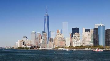 a cidade de nova york no centro da torre da liberdade 2014 foto