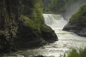 parque estadual de lower falls letchworth foto