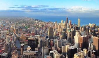 skyline de chicago ao pôr do sol foto