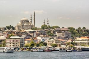 mesquita azul vista da água foto