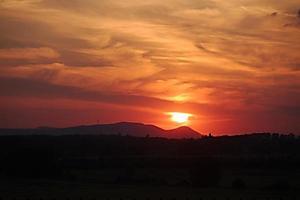 pôr do sol foto