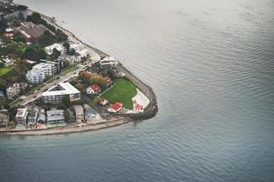 península da cidade de seattle vista do céu foto