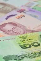 notas tailandesas (baht) para conceitos de dinheiro e negócios foto