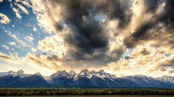 pôr do sol sobre grand teton