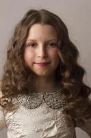retrato da menina bonita foto
