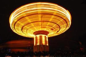 roda gigante em movimento