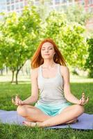 relaxando com yoga foto