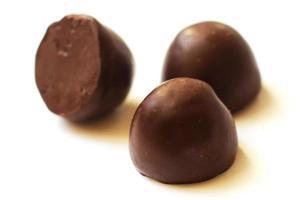 close-up de doces de chocolate foto