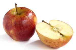 maçãs verdes vermelhas frescas foto