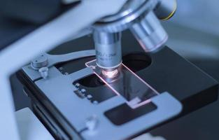 lentes de microscópio close-up foto