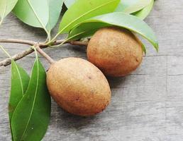 frutas tropicais (frutas sapoti) foto