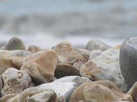 pedras da praia foto