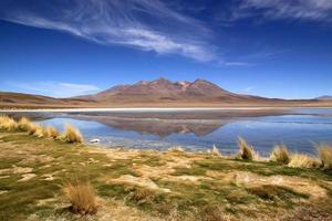 lagoa cênica na Bolívia, América do Sul
