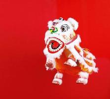 decoração da cabeça de dança do leão chinês foto