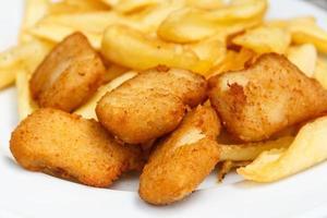 nuggets de frango frito dourados foto