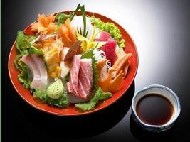 conjunto de sashimi do Japão mix chabu foto