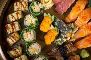 seleção de variedade de combinação de escolha de sushi fresco