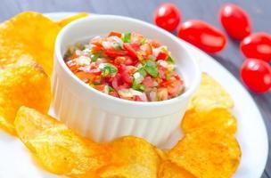 nachos com salsa