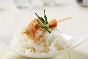 espeto de frango e arroz