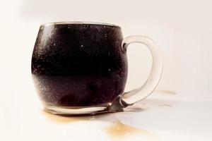 copo cheio de refrigerante foto