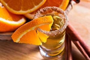 tequila com laranja e canela foto