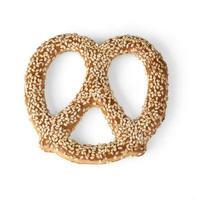 feche a imagem do pretzel de pilha foto