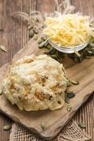 pães caseiros de queijo foto