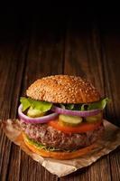hambúrguer clássico close-up.