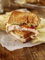 sanduíche de casa de clube grelhado foto