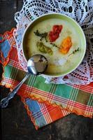 sopa de creme de legumes foto