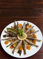 sardinha marinada com ervas mediterrâneas foto