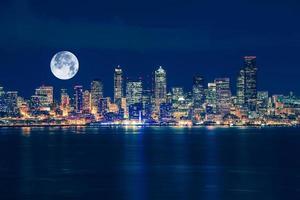 Seattle e o horizonte da lua foto