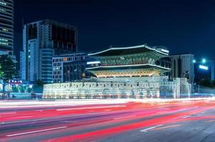 portão de dongdaemun na coreia foto