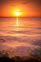 pôr do sol no mar Mediterrâneo