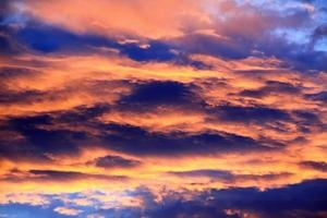 cores bonitas céu pôr do sol.