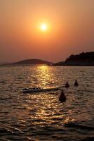pôr do sol sobre as ilhas kornati