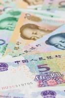 notas em yuan chinês (renminbi), para conceitos de dinheiro foto